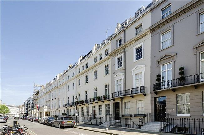 Asking Price £1,595,000, 2 Bedroom Flat For Sale in London, SW1X