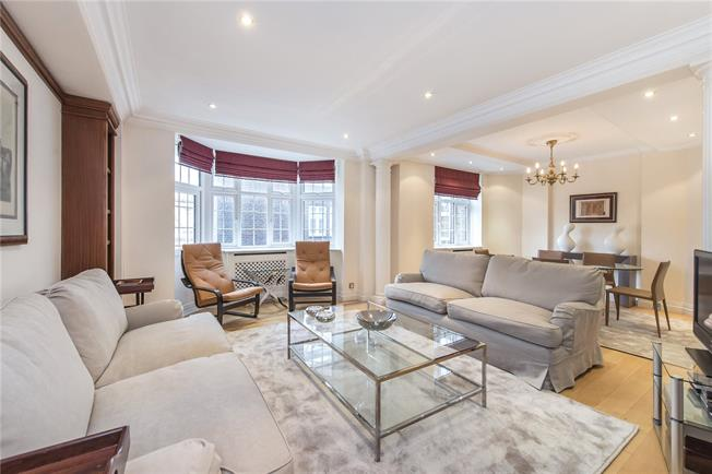 Asking Price £2,200,000, 3 Bedroom Flat For Sale in London, SW3
