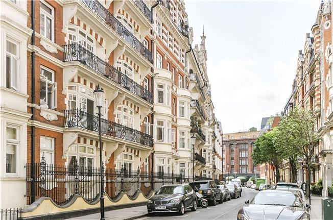 Price on Application, 3 Bedroom Flat For Sale in London, SW3
