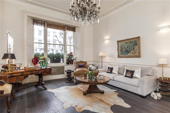 Asking Price £1,625,000, 2 Bedroom Flat For Sale in London, SW7