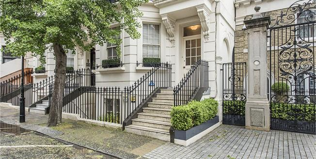 Asking Price £3,300,000, 3 Bedroom Flat For Sale in London, SW7