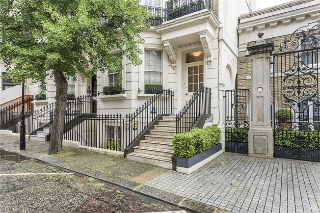 Asking Price £3,100,000, 3 Bedroom Flat For Sale in London, SW7