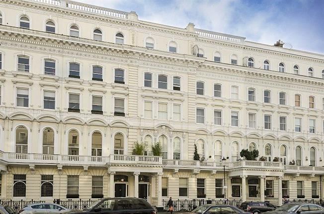 Asking Price £815,000, 1 Bedroom Flat For Sale in London, SW7