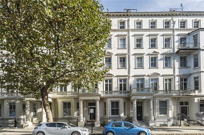 Asking Price £1,295,000, 2 Bedroom Flat For Sale in London, SW7