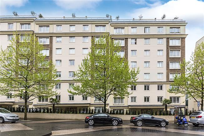 Asking Price £1,325,000, 2 Bedroom Flat For Sale in London, SW7