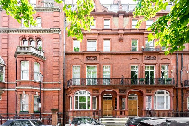 Asking Price £1,250,000, 1 Bedroom Flat For Sale in London, SW1X