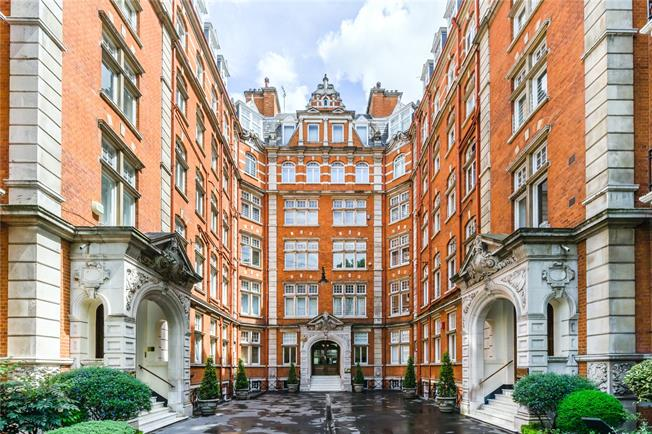 Asking Price £4,000,000, 4 Bedroom Flat For Sale in London, SW7