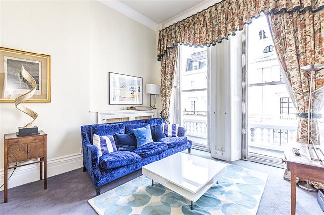 Asking Price £1,495,000, 2 Bedroom Flat For Sale in London, SW3