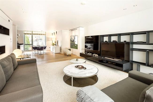 Asking Price £5,450,000, 3 Bedroom Flat For Sale in London, SW1X