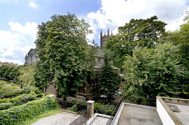 Asking Price £1,250,000, 1 Bedroom Flat For Sale in London, SW3