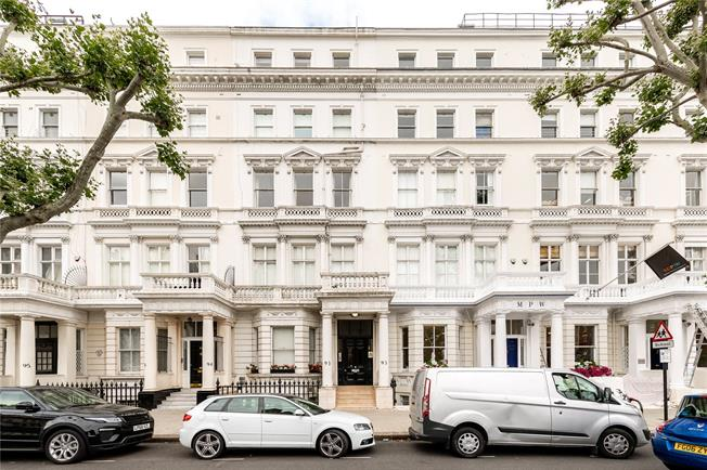 Asking Price £599,000, 1 Bedroom Flat For Sale in London, SW7