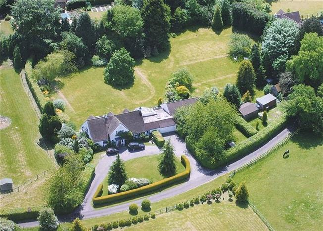Guide Price £1,250,000, 6 Bedroom Detached House For Sale in Liphook, GU30