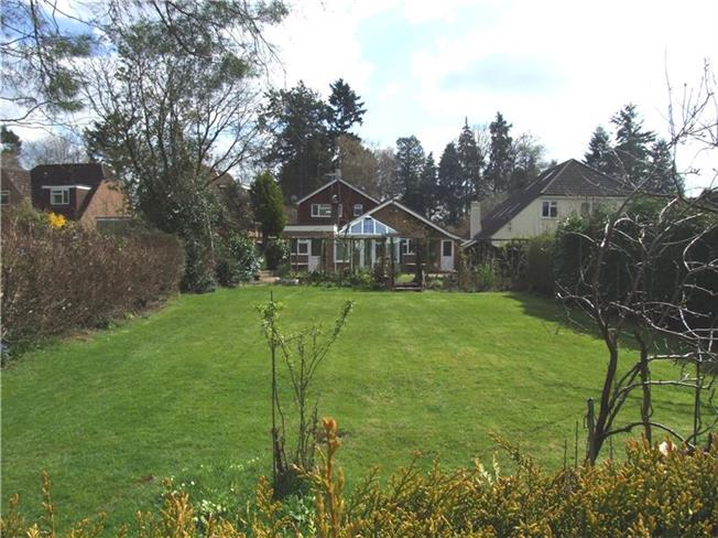 Offers in excess of £625,000, 4 Bedroom Detached House For Sale in Liphook, GU30