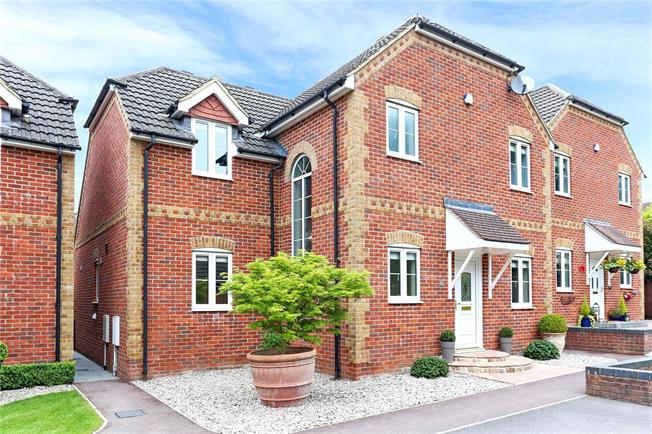 Asking Price £515,000, 4 Bedroom Detached House For Sale in Whitehill, GU35