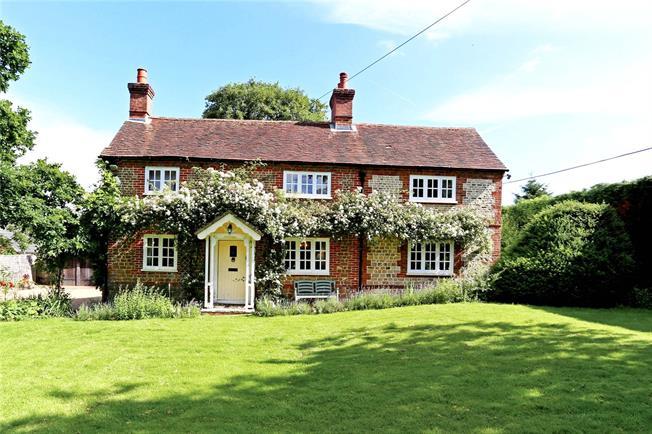 Guide Price £895,000, 3 Bedroom Detached House For Sale in Bramshott, GU30
