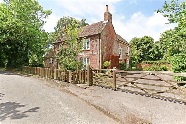 Asking Price £999,950, 4 Bedroom Detached House For Sale in Hambledon, PO7