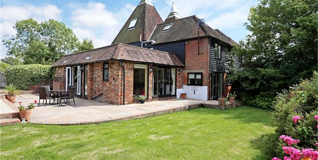 Guide Price £800,000, 4 Bedroom Semi Detached House For Sale in Hampshire, GU32