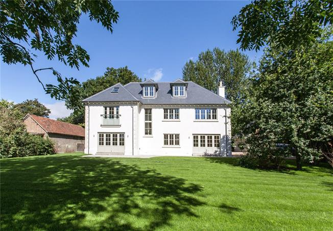 Guide Price £1,250,000, 5 Bedroom Detached House For Sale in Steep, GU32