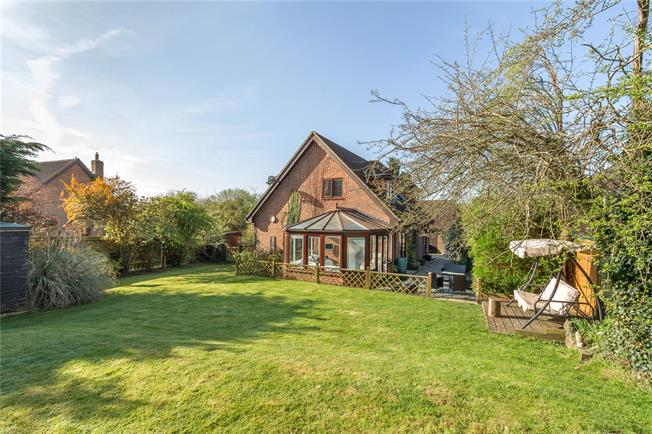 Offers in excess of £550,000, 4 Bedroom Detached House For Sale in Lindford, GU35