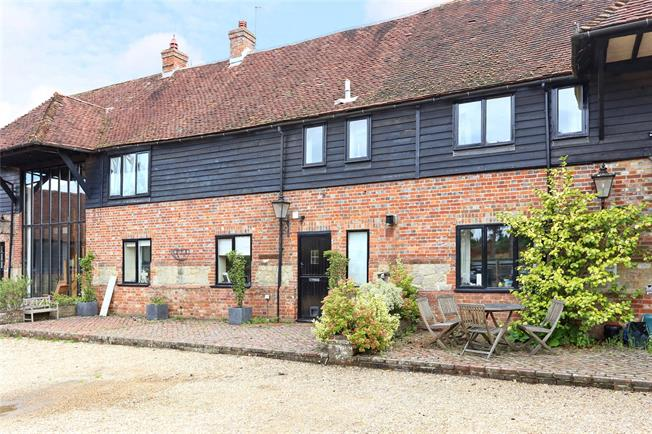 Guide Price £595,000, 4 Bedroom Mews House For Sale in Liphook, GU30
