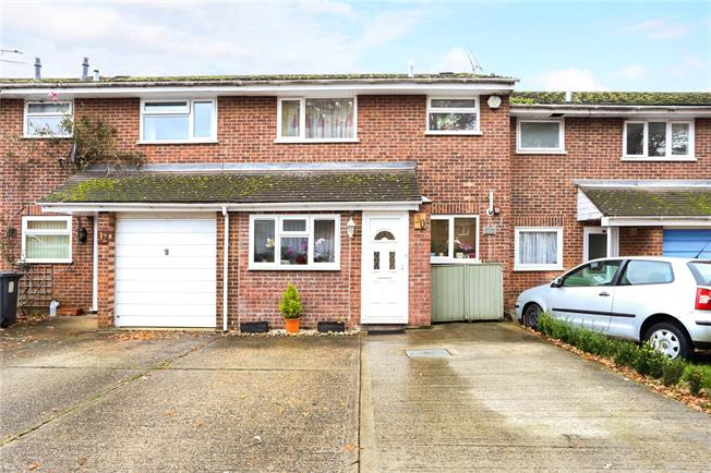 Asking Price £275,000, 3 Bedroom Terraced House For Sale in Hampshire, GU35