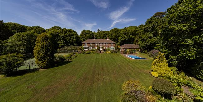 Guide Price £2,125,000, 5 Bedroom Detached House For Sale in West Sussex, GU31