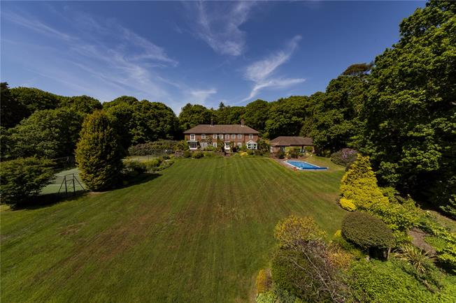 Guide Price £2,250,000, 5 Bedroom Detached House For Sale in West Sussex, GU31