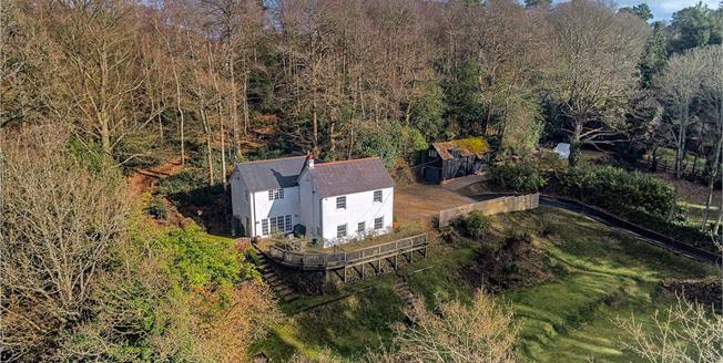 Guide Price £1,150,000, 5 Bedroom Detached House For Sale in Hampshire, GU35