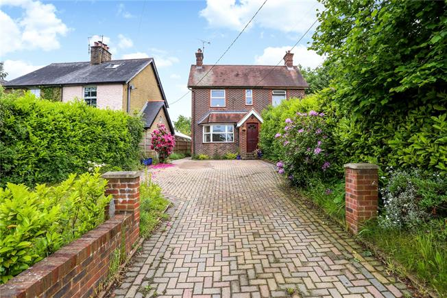 Asking Price £450,000, 3 Bedroom Semi Detached House For Sale in Hampshire, GU30