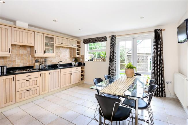 Offers in excess of £650,000, 5 Bedroom Detached House For Sale in Hampshire, GU30