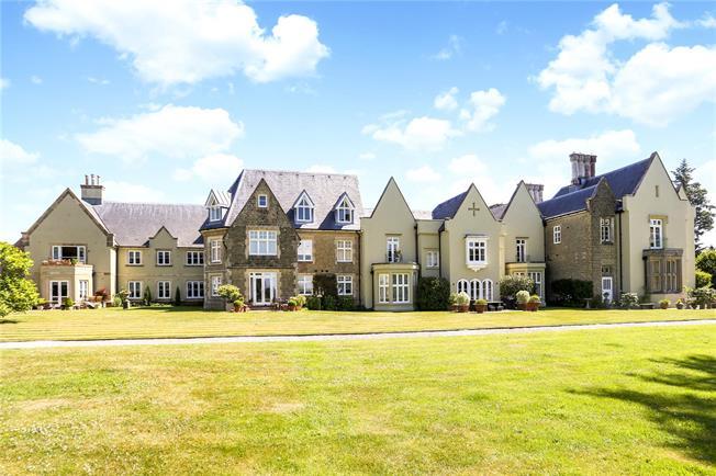 Guide Price £575,000, 3 Bedroom Flat For Sale in Bramshott, Liphook, GU30