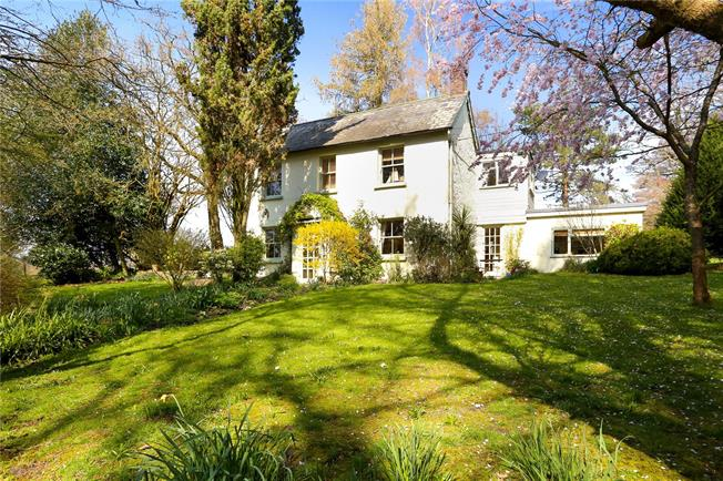 Guide Price £1,095,000, 4 Bedroom Detached House For Sale in Hampshire, GU33