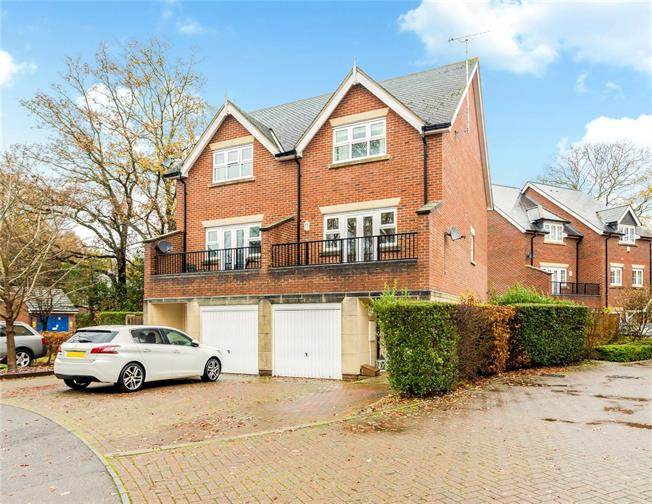 Guide Price £350,000, 4 Bedroom Semi Detached House For Sale in Hampshire, GU35