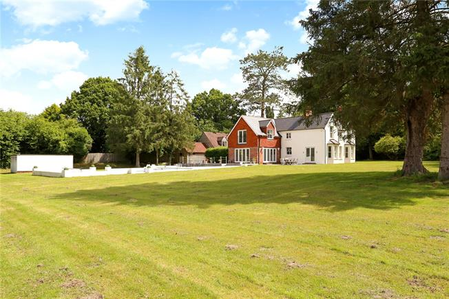 Guide Price £1,500,000, 5 Bedroom Detached House For Sale in Headley, GU35