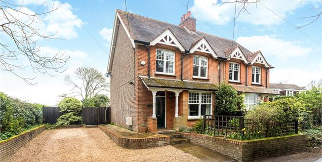 Guide Price £535,000, 3 Bedroom Semi Detached House For Sale in Liss, GU33