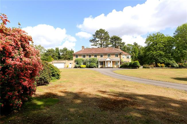 Guide Price £2,300,000, 6 Bedroom Detached House For Sale in Liphook, GU30