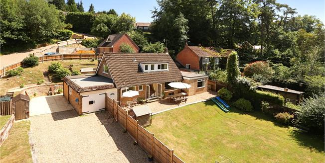 Guide Price £575,000, 5 Bedroom Detached House For Sale in Hampshire, GU35
