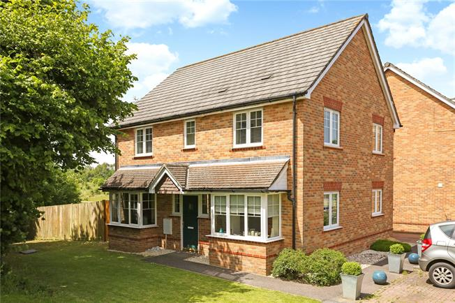 Guide Price £570,000, 4 Bedroom Detached House For Sale in Hampshire, GU30