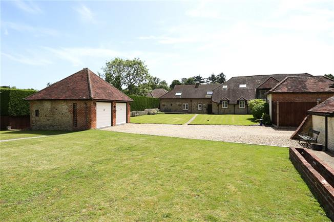 Guide Price £900,000, 4 Bedroom House For Sale in Hampshire, GU35