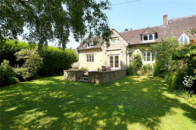 Guide Price £775,000, 3 Bedroom Semi Detached House For Sale in Bramshott, GU30
