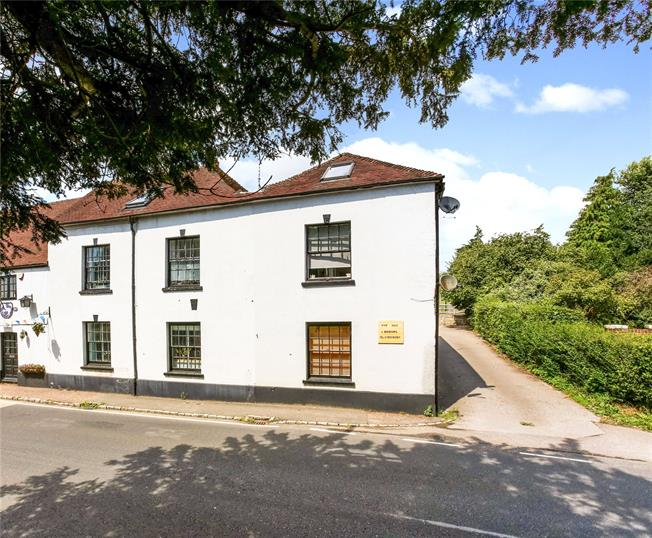 Guide Price £425,000, 4 Bedroom Terraced House For Sale in Rogate, GU31