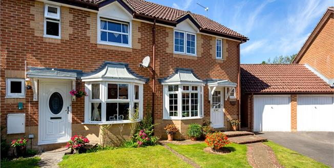 Guide Price £350,000, 2 Bedroom Semi Detached House For Sale in Hampshire, GU30