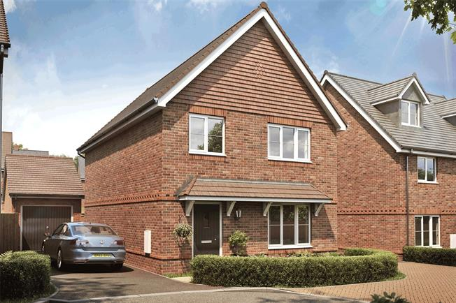 Asking Price £495,000, 4 Bedroom Detached House For Sale in Liphook, Hampshire, GU30