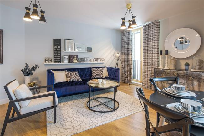 Asking Price £715,000, 2 Bedroom Flat For Sale in London, W10