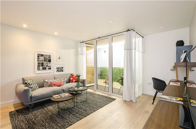 Asking Price £335,000, 1 Bedroom Flat For Sale in London, NW9