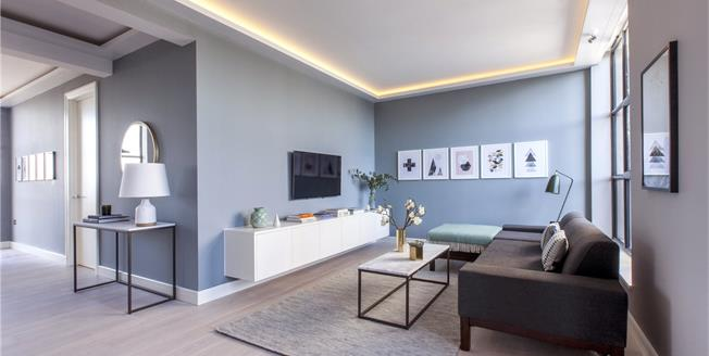 Asking Price £520,000, 1 Bedroom Flat For Sale in London, W3