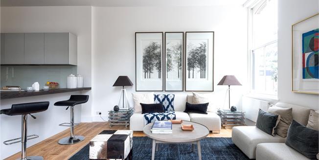 Asking Price £895,000, 3 Bedroom Flat For Sale in Putney, London, SW15