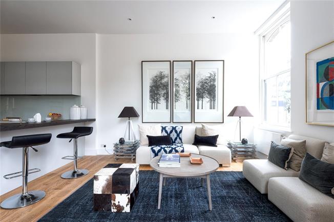 Asking Price £950,000, 3 Bedroom Flat For Sale in Putney, London, SW15