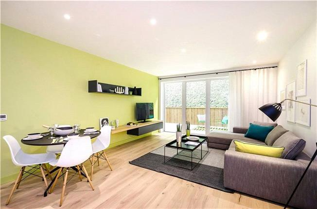 Asking Price £435,000, 2 Bedroom Flat For Sale in London, NW9
