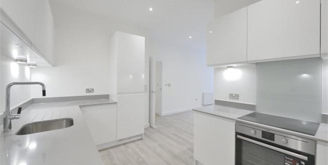 Asking Price £620,000, 2 Bedroom Flat For Sale in London, E3